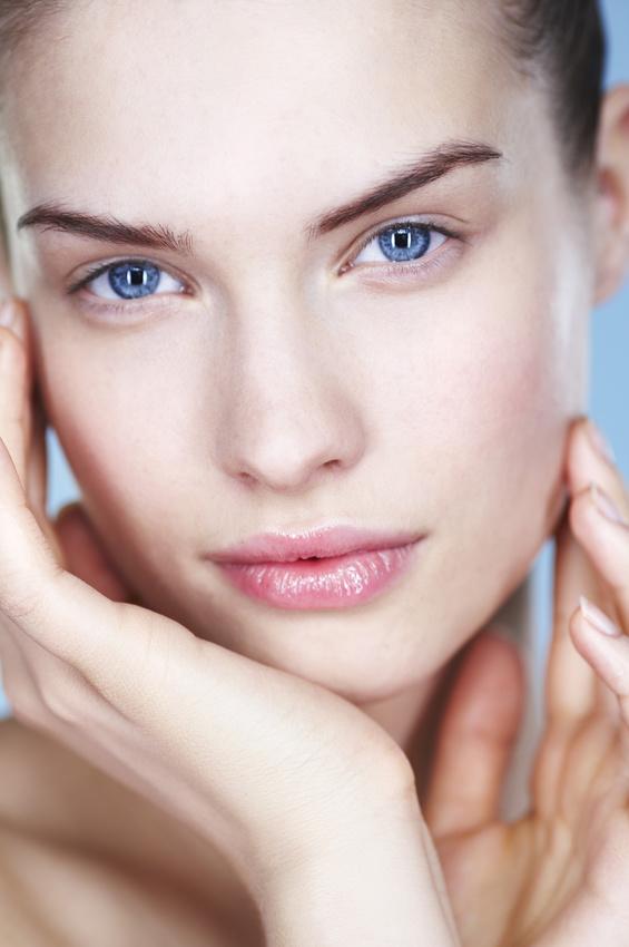 Le cabinet esthétique propose la chirurgie du visage lipostructure Bordeaux